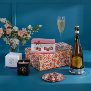 Prosecco & Chocolates Gift Box image