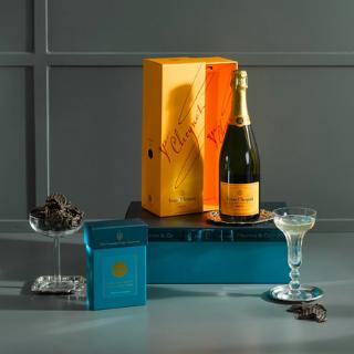 Veuve Clicquot Champagne & Chocolates Gift Box image