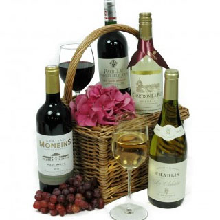 Connoisseur 4 Bottle Wine Hamper image