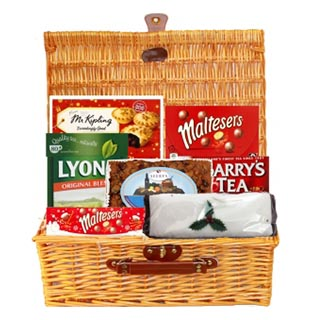 Festive Tea Christmas Hamper (FREE Delivery USA) image
