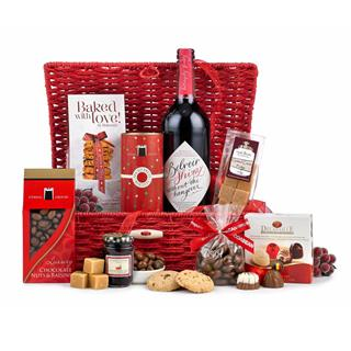 Red Delights Christmas Hamper image