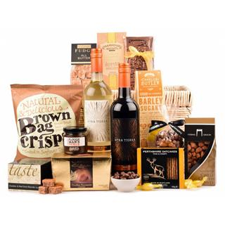 Wine and Treats Christmas Hamper image