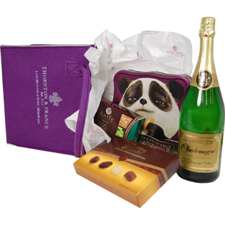 Wonderland Christmas Hamper image