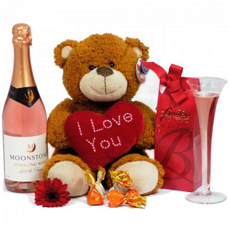 Sparkles and Hugs Valentines Gift Hamper image