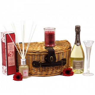 Candles and Prosecco Hamper image