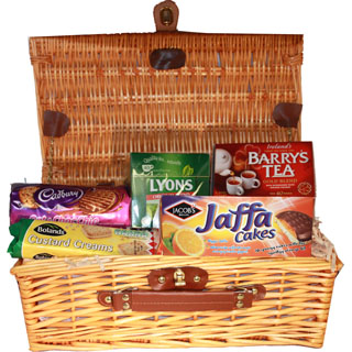 Irish Tea & Biscuit Hamper image