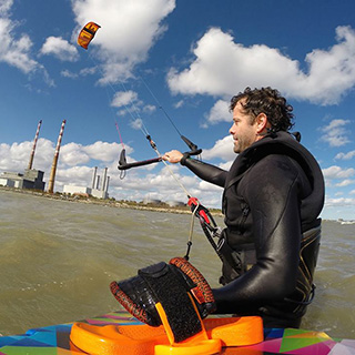 Kite Surfing Intro Class For One image