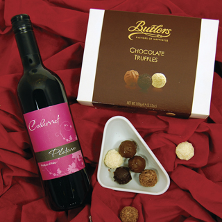 Perfect Combo Wine Christmas Hamper image