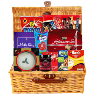 Santas Selection Irish Hamper image
