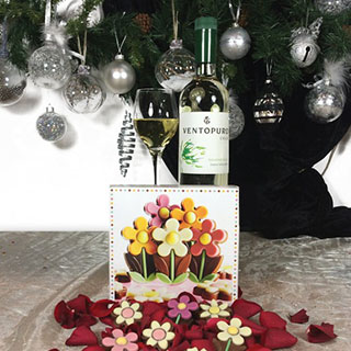 Simple Pleasures Wine Hamper image