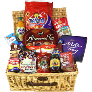 Hampers to usa online gifts to usa allgifts the ultimate irish gift hamper free delivery usa image negle Image collections