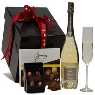 Prosecco & Chocolate Christmas Hamper image