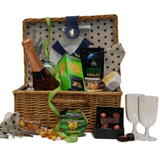 Moonstone Stars Filled Picnic Basket - 2 Person image