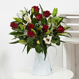 Rose & Liliy Flower Bouquet (Red) image