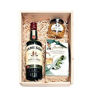 Ultimate Whiskey Lover Hamper (FREE Delivery Oz) image